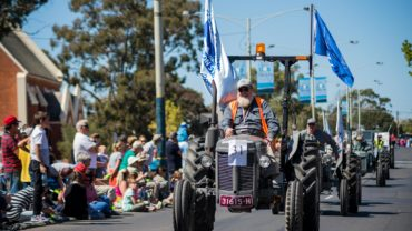 Dahlia and Arts Festival Parade 2015 bendigo community health services
